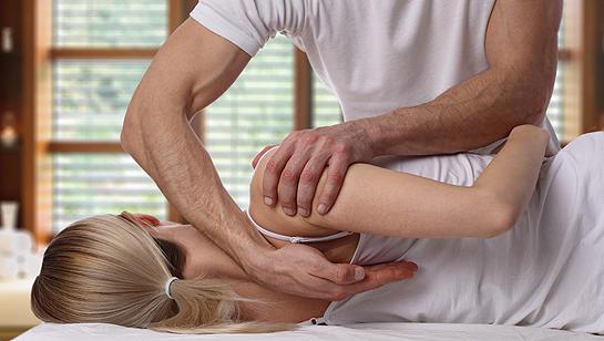 Chiropractors in Clarendon Hills IL preforming adjustment